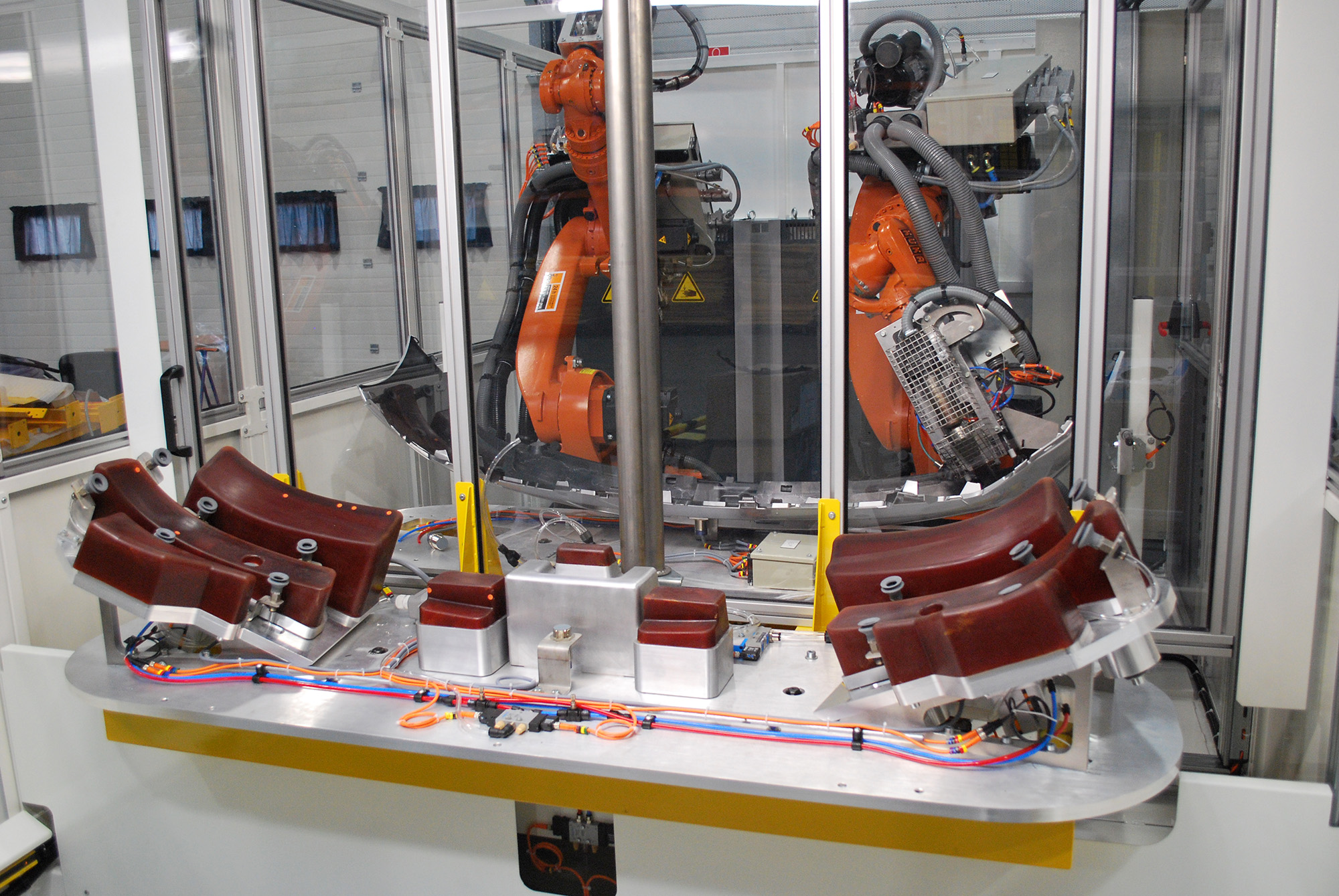 Robotic gluing - Glue robot system - GEBE2