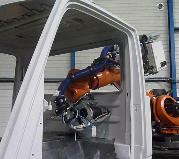 Ponçage robotisé cabine camion - GEBE2