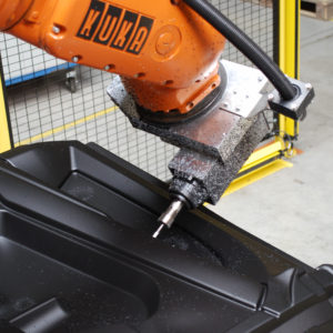 Robotized trimming for thermoplastic - Automotive industry - GEBE2