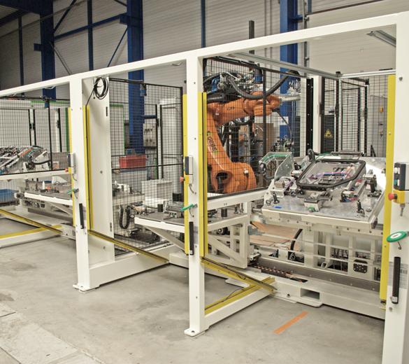 intégrateur de solutions d'assemblage - intégrateur lignes d'assemblage robotiques - Ligne de collage pièces automobiles - GEBE2