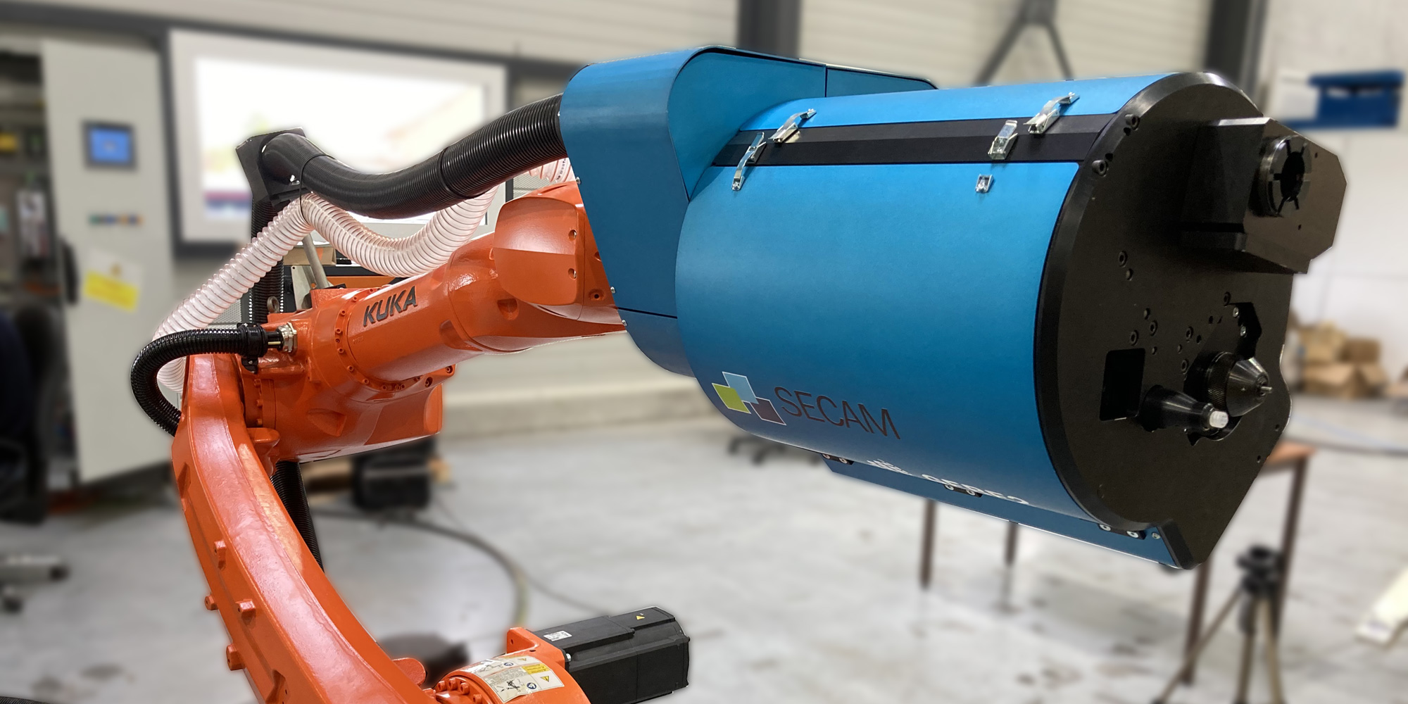 Robotic inserts installation - potted-in insert for composite - GEBE2