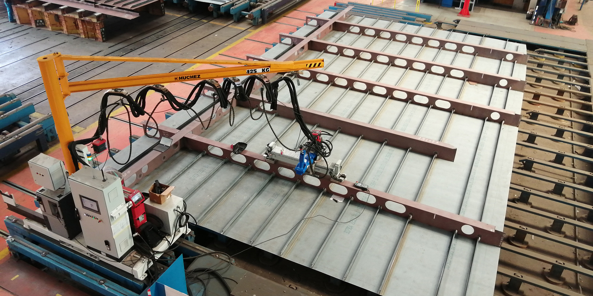 Robotic welding cell - GEBE2